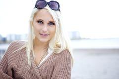 ξανθός φυσικός όμορφος Στοκ φωτογραφίες με δικαίωμα ελεύθερης χρήσης