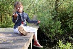 Ξανθό μακρυμάλλες κορίτσι υπαίθριο Στοκ Εικόνες