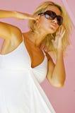 ξανθό μοντέλο μόδας στοκ φωτογραφίες
