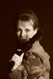 ξανθό πυροβόλο όπλο Στοκ φωτογραφία με δικαίωμα ελεύθερης χρήσης