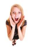 Ξανθό buisnesswoman να φωνάξει γυναικών που απομονώνεται Στοκ Εικόνες