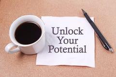 Ξεκλειδώστε τη δυνατότητά σας, επιχειρησιακά κινητήρια εμπνευσμένα αποσπάσματα στοκ εικόνες