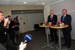 ΞΕΝΗ ΑΊΡΕΣΗ ΤΟΥ ΝΤΈΙΒΙΝΤ ΝΤΈΙΒΙΣ ΜΕ ΤΟ ANDERS SAMUELSEN Στοκ φωτογραφίες με δικαίωμα ελεύθερης χρήσης