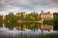 Ξενοδοχεία από τη λίμνη Σλοβακία Στοκ Φωτογραφίες
