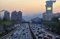 Ξενοδοχείο και δρόμος του Πεκίνου Pangu Plaza στοκ εικόνα με δικαίωμα ελεύθερης χρήσης
