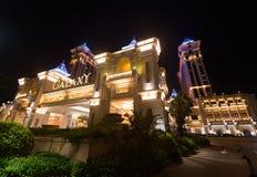 Ξενοδοχείο και χαρτοπαικτική λέσχη γαλαξιών στο Μακάο τη νύχτα Στοκ Φωτογραφία