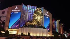 Ξενοδοχείο και χαρτοπαικτική λέσχη MGM στο Λας Βέγκας τη νύχτα - δείτε από τη λεωφόρο του Λας Βέγκας - ΗΠΑ 2017 απόθεμα βίντεο