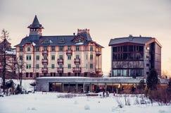 Ξενοδοχείο στο pleso Strbske, υψηλό Tatras, Σλοβακία, κόκκινο φίλτρο Στοκ Εικόνα