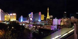 Ξενοδοχείο του Παρισιού και χαρτοπαικτική λέσχη, μητροπολιτική περιοχή, πόλη, εικονική παράσταση πόλης, νύχτα Στοκ εικόνα με δικαίωμα ελεύθερης χρήσης
