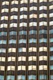 ξενοδοχείο ημέρας έξω πέρα από το ηλιόλουστο παράθυρο σημαδιών Στοκ Εικόνα