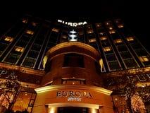 Ξενοδοχείο της Ευρώπης τη νύχτα στοκ εικόνες