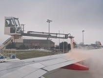 Ξεπαγώνοντας αεροσκάφη Στοκ Εικόνες