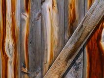 Ξεπερασμένη και φορεμένη ξύλινη πόρτα Στοκ Εικόνα