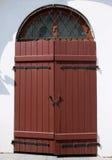 Ξεπερασμένη ξύλινη απλή πόρτα ταλάντευσης Στοκ Εικόνες
