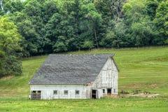 Ξεπερασμένη σιταποθήκη στην Αμερική Midwest στοκ εικόνες με δικαίωμα ελεύθερης χρήσης