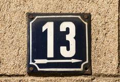 Ξεπερασμένο σμαλτωμένο πιάτο αριθμός 13 Στοκ φωτογραφία με δικαίωμα ελεύθερης χρήσης