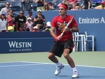 Δεκαεπτά φορές πρακτικές του Roger Federer πρωτοπόρων του Grand Slam για τις ΗΠΑ ανοικτές στην εθνική αντισφαίριση Cente βασιλιάδω Στοκ Φωτογραφία