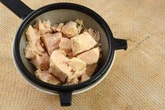 Ξεπλυμένο κονσερβοποιημένο κοτόπουλο στοκ φωτογραφίες με δικαίωμα ελεύθερης χρήσης
