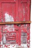 Ξεφλούδισμα, που φοριέται, που επιβιβάζεται επάνω στην πόρτα στοκ φωτογραφία με δικαίωμα ελεύθερης χρήσης