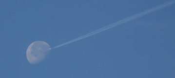Ξεφουσκώνοντας φεγγάρι Στοκ εικόνα με δικαίωμα ελεύθερης χρήσης