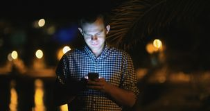 Ξεφύλλισμα Smartphone απόθεμα βίντεο