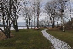 Ξεχασμένη βάρκα το χειμώνα Στοκ φωτογραφία με δικαίωμα ελεύθερης χρήσης