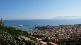Ξημερώματα πέρα από Castellammare στοκ φωτογραφία με δικαίωμα ελεύθερης χρήσης