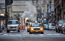 Ξημερώματα στην ανατολική 41$ος οδό, Νέα Υόρκη. Στοκ Εικόνες