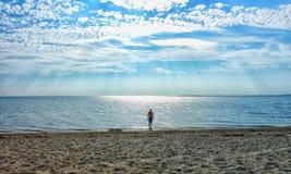 Ξημερώματα στην παραλία Στοκ εικόνες με δικαίωμα ελεύθερης χρήσης