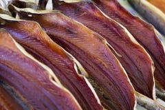 Ξηρά αλατισμένη πέστροφα σε μια αγορά ψαριών Στοκ Εικόνες