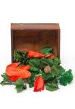 Ξηρά λουλούδια Aromatherapy με το ξύλινο κιβώτιο. Στοκ φωτογραφία με δικαίωμα ελεύθερης χρήσης
