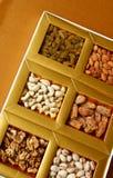Ξηρά φρούτα σε ένα κιβώτιο στοκ φωτογραφία με δικαίωμα ελεύθερης χρήσης
