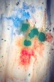 Ξηρές ραβδώσεις του πολύχρωμου χρώματος με τις ρωγμές Στοκ φωτογραφία με δικαίωμα ελεύθερης χρήσης