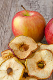 ξηρές φέτες μήλων Στοκ Εικόνες