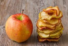 ξηρές φέτες μήλων Στοκ Φωτογραφίες