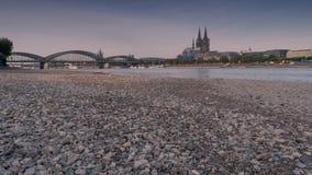 Ξηρασία στη Γερμανία, χαμηλό νερό στον ποταμό του Ρήνου στοκ φωτογραφία