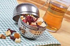 Ξηρός - τσάι φρούτων Στοκ Φωτογραφία