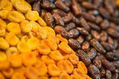 Ξηρός - υπόβαθρο φρούτων Σειρές των ξηρών καρπών στην αγορά του Sochi Στοκ Φωτογραφίες
