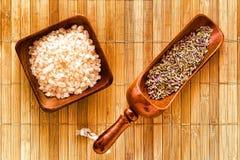 ξηρό λουλούδι lavender salts seeds spa λουτ Στοκ εικόνες με δικαίωμα ελεύθερης χρήσης