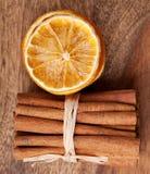 ξηρό πορτοκάλι κανέλας Στοκ Φωτογραφία