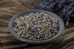 Ξηρό lavender με το ξύλο - φωτογραφία αποθεμάτων Στοκ φωτογραφία με δικαίωμα ελεύθερης χρήσης