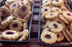 Ξινά μπισκότα σμέουρων στα καλάθια Στοκ εικόνα με δικαίωμα ελεύθερης χρήσης