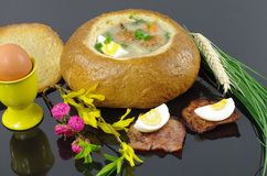 Ξινή σούπα στο ψωμί Στοκ Εικόνα