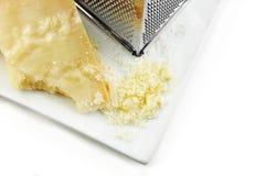 ξυμένη παρμεζάνα τυριών πρόσφ& στοκ εικόνα