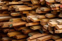 Ξυλεία στο εργοτάξιο οικοδομής στοκ εικόνα με δικαίωμα ελεύθερης χρήσης