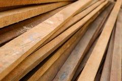 Ξυλεία στο εργοτάξιο οικοδομής στοκ φωτογραφία