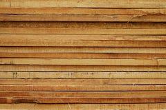 Ξυλεία στο εργοτάξιο οικοδομής στοκ εικόνες