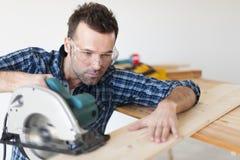 Ξυλουργός στην εργασία στοκ εικόνες