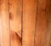 Ξύλινα κάθετα slats πεύκων σύστασης Στοκ εικόνα με δικαίωμα ελεύθερης χρήσης
