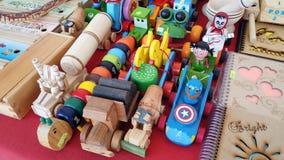 Ξύλινα χειροποίητα μεξικάνικα παιχνίδια στοκ εικόνα με δικαίωμα ελεύθερης χρήσης